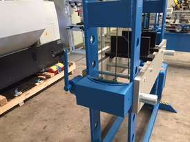 Electric Hydraulic H Frame Press, 100 Tonne - picture6' - Click to enlarge