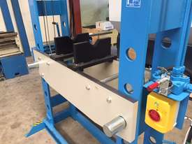 Hydraulic Motor Driven H Frame Press, 100 Tonne - picture7' - Click to enlarge