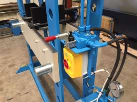 Hydraulic Motor Driven H Frame Press, 100 Tonne - picture8' - Click to enlarge