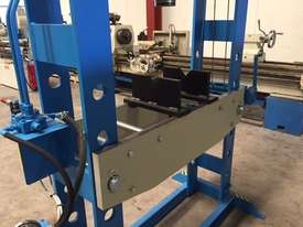 Hydraulic Motor Driven H Frame Press, 100 Tonne - picture15' - Click to enlarge