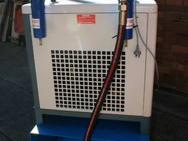 SALE 7.5hp / 5.5kW Screw Air Compressor Package - picture4' - Click to enlarge
