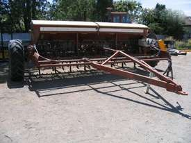 Napier 423 Culti Seeders Seeding/Planting Equip - picture0' - Click to enlarge