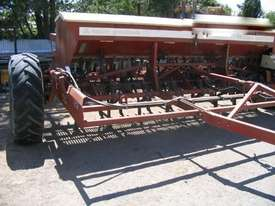 Napier 423 Culti Seeders Seeding/Planting Equip - picture1' - Click to enlarge