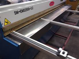 SM-EMS2500-3.2 ELECTROSHEAR - BEST AROUND! - picture3' - Click to enlarge
