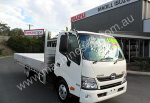 2011 HINO 300 SERIES 616 WIDE CAB