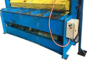 Guillotine Hydraulic Austral 2.5mm x 1900mm Sheet