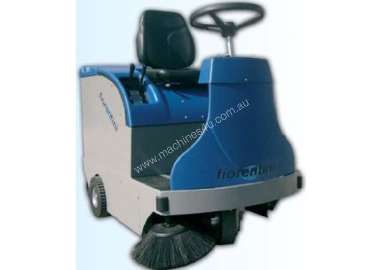 Ride on Sweeper - Capable of cleaning up to 3500m2/h.