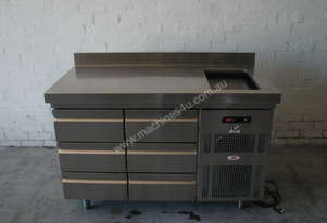 Refrigerated 6 Drawer Countertop