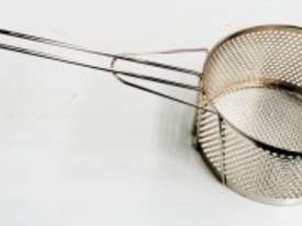 COMMERCIAL ROUND FRYING BASKETS - DIAMETER : 250MM - picture2' - Click to enlarge