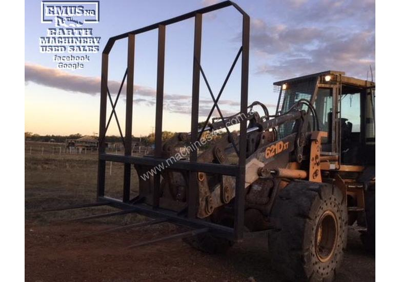 Case 621D-XT Wheel Loader, with attachments. EMUS NQ