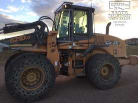 Case 621D-XT Wheel Loader, with attachments. EMUS NQ - picture12' - Click to enlarge