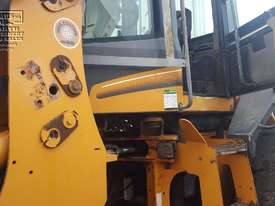 Case 621D-XT Wheel Loader, with attachments. EMUS NQ - picture14' - Click to enlarge