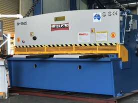 Heavy Duty Industrial Build 2400mm x 4mm Hydraulic Guilloitne - picture0' - Click to enlarge
