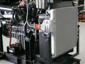 MTU PowerDrive OM457 Mercedes Benz Powered - 422HP - picture2' - Click to enlarge