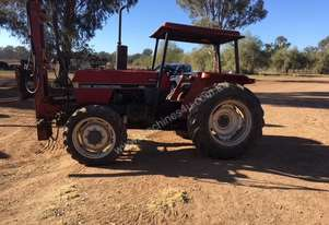 International 495 FWA/4WD Tractor