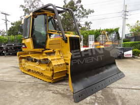 Caterpillar D5G XL Bulldozer Screens Sweeps Rippers DOZCATG - picture1' - Click to enlarge