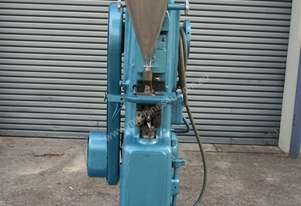 Manesty Tablet Press