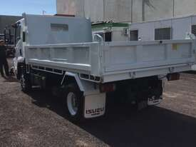 Isuzu FRR500 Tipper Truck - picture5' - Click to enlarge