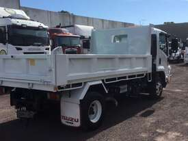 Isuzu FRR500 Tipper Truck - picture7' - Click to enlarge