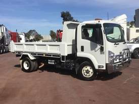 Isuzu FRR500 Tipper Truck - picture3' - Click to enlarge