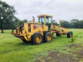 John Deere 772C/H Artic Grader Grader - picture4' - Click to enlarge
