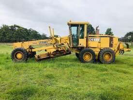 John Deere 772C/H Artic Grader Grader - picture5' - Click to enlarge