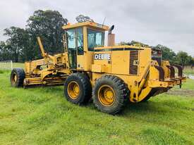 John Deere 772C/H Artic Grader Grader - picture6' - Click to enlarge