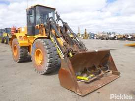 2007 Hyundai HL740TM-7 - picture0' - Click to enlarge