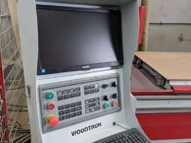 WOODWORKING CNC MACHINE - picture2' - Click to enlarge