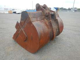 1950mm Mud Bucket to suit 47 Ton - 20173-1 - picture1' - Click to enlarge