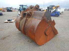 1950mm Mud Bucket to suit 47 Ton - 20173-1 - picture2' - Click to enlarge