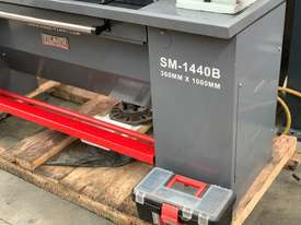 Showroom Demo SM-1440B - 240Volt Centre Lathe $1000 Off - 1 Only - picture2' - Click to enlarge