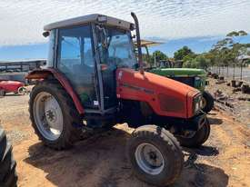 Massey Ferguson 4225 4 x 2 Tractor, 4244 Hrs - picture0' - Click to enlarge