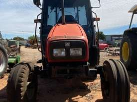 Massey Ferguson 4225 4 x 2 Tractor, 4244 Hrs - picture1' - Click to enlarge
