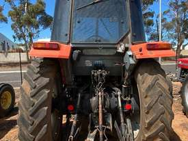 Massey Ferguson 4225 4 x 2 Tractor, 4244 Hrs - picture2' - Click to enlarge