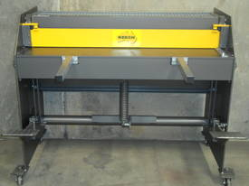 1250mm x 1.6mm education guillotine - picture0' - Click to enlarge