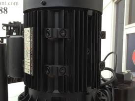 1ph or 3ph, Power Feed, Coolant, 4MT, DRO - picture17' - Click to enlarge