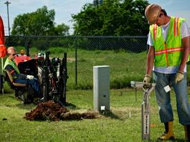 Ditch Witch JT5, 5k lbs compact directional drill - picture2' - Click to enlarge