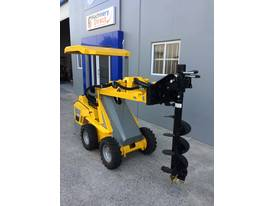 Brand New Ozziquip Mini Loader Fencer Package