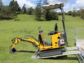 On Sale Tiger Mini Digger Ozziquip New GOLD COAST - picture0' - Click to enlarge