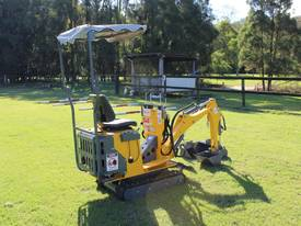 On Sale Tiger Mini Digger Ozziquip New GOLD COAST - picture2' - Click to enlarge