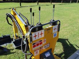 On Sale Tiger Mini Digger Ozziquip New GOLD COAST - picture5' - Click to enlarge