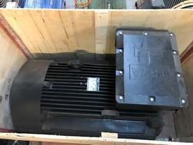 160 kw 220 hp 4 Pole 415 v AC Electric Motor - picture0' - Click to enlarge