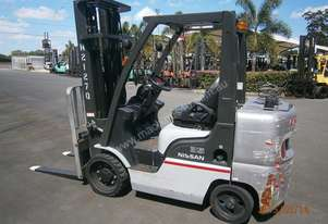 NISSAN MCUG1F2F35DU 3.5T Counterbalance Forklift