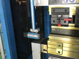 ACCURL 4200mm x 135Ton 5 Axis CNC Pressbrake - picture9' - Click to enlarge