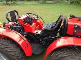 AGT 850/860 Reversible Console Tractor - picture20' - Click to enlarge