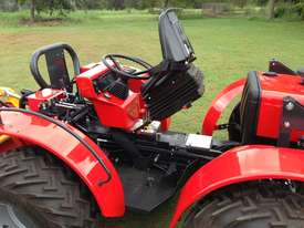 AGT 850/860 Reversible Console Tractor - picture19' - Click to enlarge