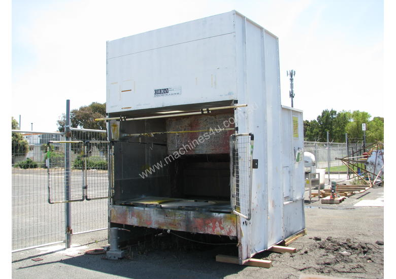 Large Spray Booth