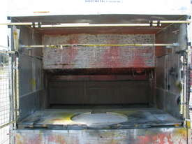 Large Spray Booth - picture1' - Click to enlarge