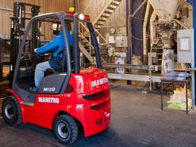 NEW 1.8T MANITOU DIESEL, CONTAINER ENTRY MAST FROM $17.50 + GST PER DAY - picture0' - Click to enlarge